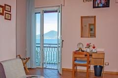 hotel-pensione-lago-di-garda-vicino-spiaggia-0001