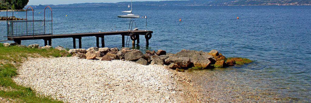 pensione-lago-di-garda-con-spiaggia-pontile-boe