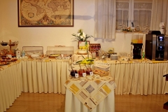 guesthouse-gardalake-right-on-the-lake-breakfast-buffet-0001