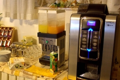 guesthouse-gardalake-right-on-the-lake-breakfast-buffet-0015