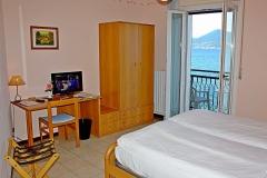 hotel-pensione-lago-di-garda-vicino-spiaggia-0012
