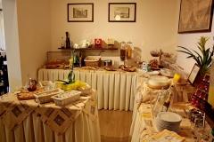gardasee-pension-direkt-am-see-fruehstueck-buffet-0002