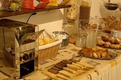 gardasee-pension-direkt-am-see-fruehstueck-buffet-0004