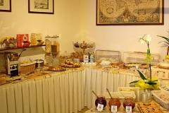gardasee-pension-direkt-am-see-fruehstueck-buffet-0005