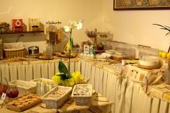 gardasee-pension-direkt-am-see-fruehstueck-buffet-0007