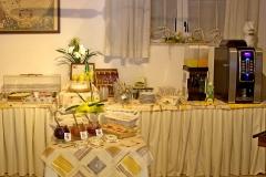 gardasee-pension-direkt-am-see-fruehstueck-buffet-0011