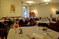 restaurant-gardasee-direkt-am-see-mit-steg-und-boje-0002