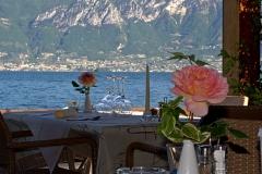 restaurant-gardasee-direkt-am-see-mit-steg-und-boje-0014