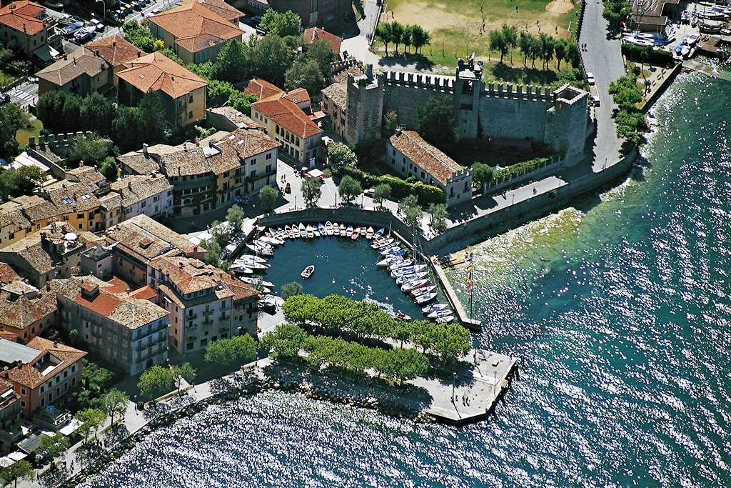 Hotel Porto Torri Del Benaco