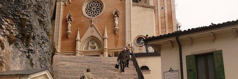 Santuario madonna della corona hotel menapace for Santuario madonna della corona